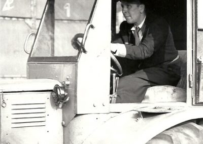Rolf Riedel in seinem Lanz Bulldog